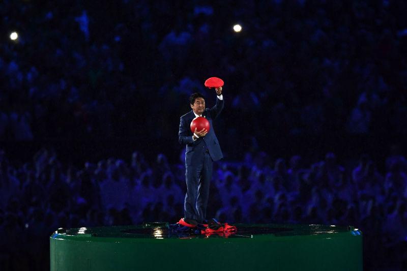 安倍前首相 リオ五輪閉会式の「安倍マリオ」に当初は難色示す